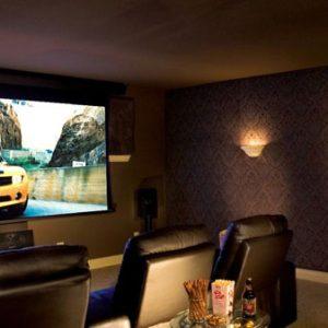 Lựa chọn máy chiếu làm phòng chiếu phim gia đình