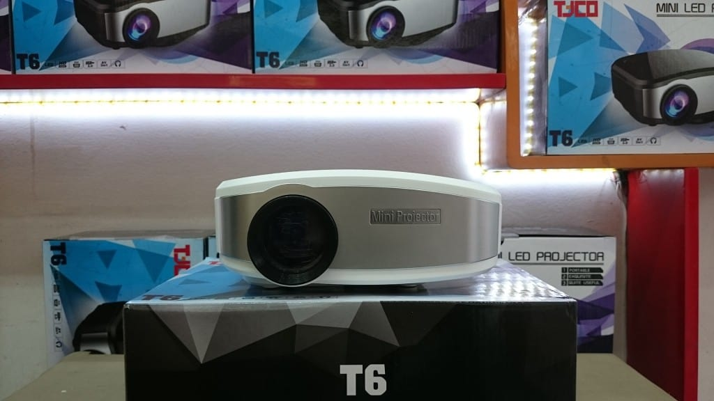 Khuyến mại lớn cho máy chiếu giá rẻ, máy chiếu mini dịp tết 2016 tại TECH360