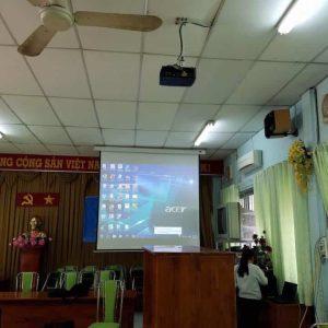 máy chiếu văn phòng