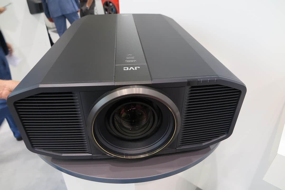Máy chiếu 4K của JVC DLA – Z1 sẽ là một sự kì vọng đáng chờ đợi
