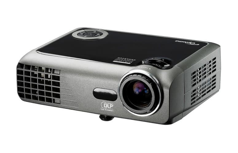 Đánh giá máy chiếu mini Optoma EW330