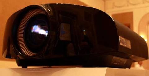 So sánh hình ảnh trình chiếu của máy chiếu 4K và máy chiếu fullHD