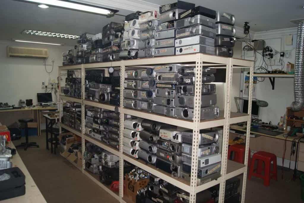 mua bán máy chiếu cũ