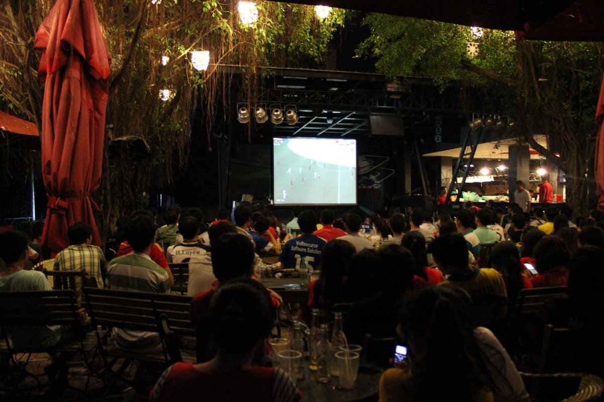 cafe bóng đá